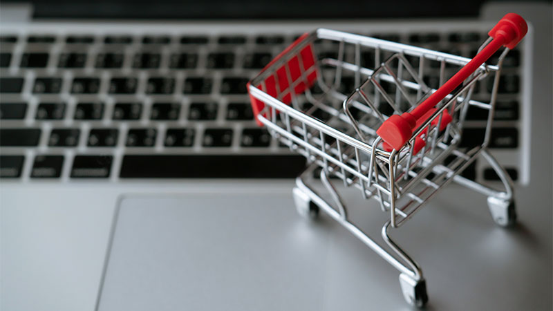 shopping-cart-on-laptop-800x450